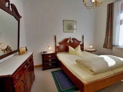 Schlafzimmer - 2-Zimmer-Wohnung - Drittes Quergäßchen 1 - Augsburg